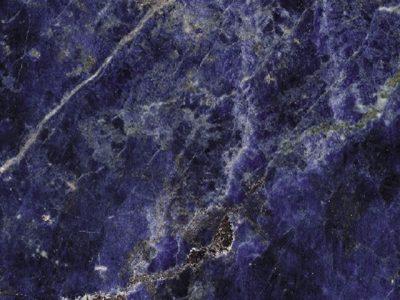 5 consigli di arredo per interni in marmo blu